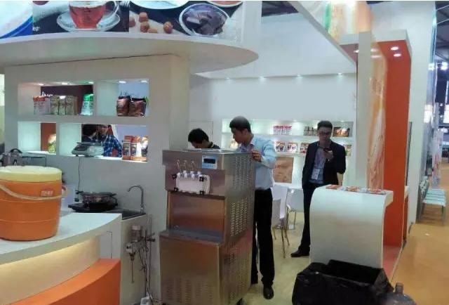 苏州客户选择冰雪丽人商用冰淇淋机
